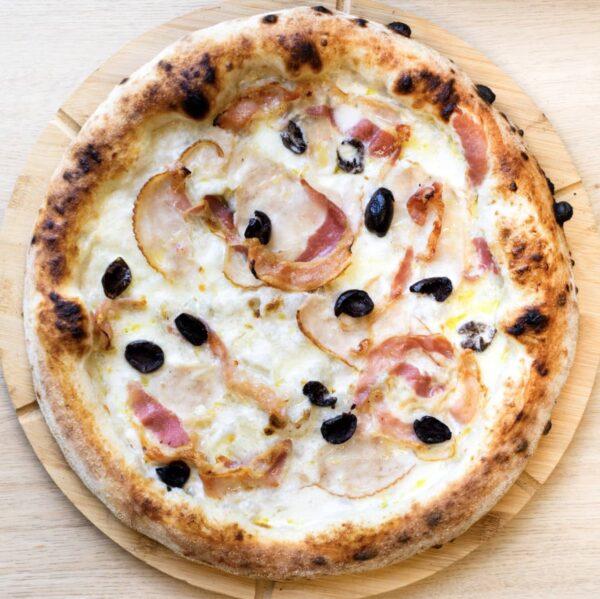 15. Pizza Pollo Bianca